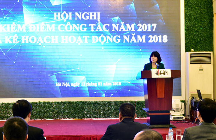 Bà Hồ Thị Hà – Trưởng phòng Kinh tế kế hoạch báo cáo tổng kết năm 2017, kế hoạch năm 2018