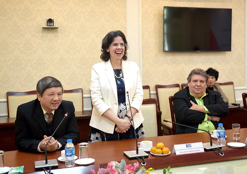 Đại sứ đặc mệnh toàn quyền cộng hòa Cuba tại Việt Nam Lianys Torres Rivera phát biểu tại buổi lễ