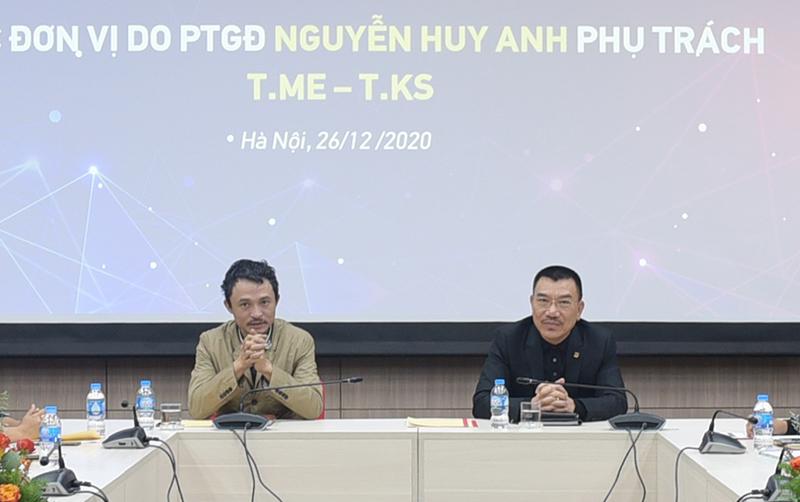 Chủ tịch HĐQT Nguyễn Văn Công (bên phải) chỉ đạo hội nghị
