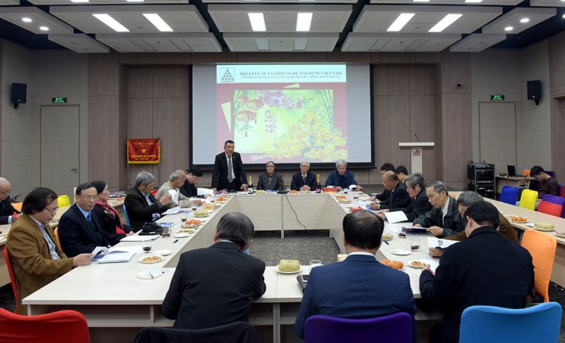 Ông Nguyễn Văn Công - Phó chủ tịch kiêm Tổng thư ký Hội, Chủ tịch HĐQT CONINCO phát biểu tại buổi gặp mặt