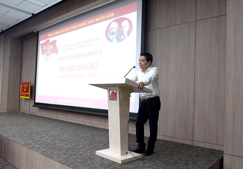 Đ/c Lê Xuân Tường – Phó Bí thư Đảng ủy Công ty phát biểu chỉ đạo tại Đại hội