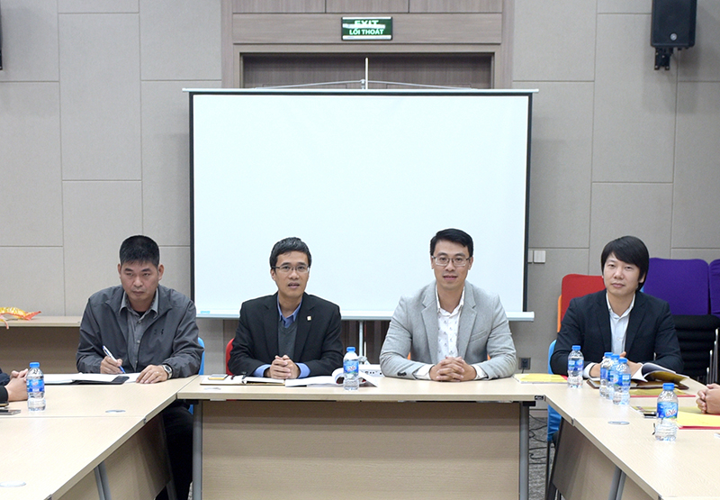 PTGĐ Lê Thanh Minh (thứ 2 từ trái sang) chủ trì hội nghị