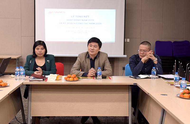 Tổng Giám đốc TS. Hà Minh (ở giữa) chỉ đạo hội nghị