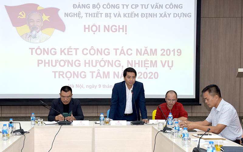 Đ/c Lê Xuân Tường – Phó Bí thư Đảng ủy Công ty báo cáo tổng kết năm 2019 và triển khai chương trình công tác năm 2020